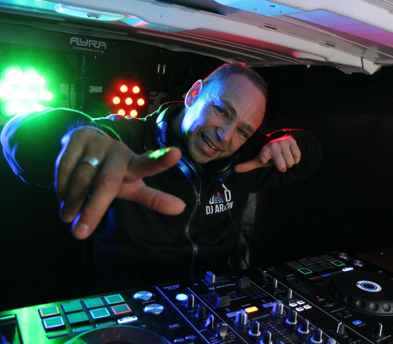 DJ Arjon Disco-Ballen bus