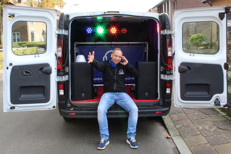 Disco-Ballen Bus DJ Arjon